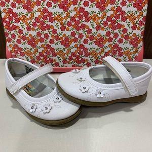 Toddler Girl Rachel White Mary Jane Shoes NWOB 6